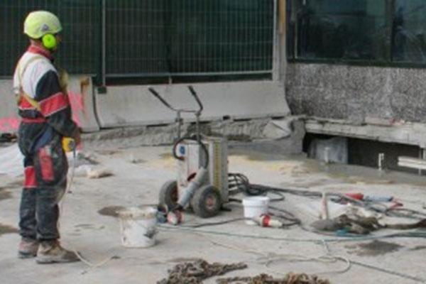 demolizione cemento