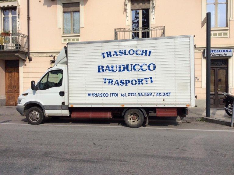 Furgone Traslochi Bauducco