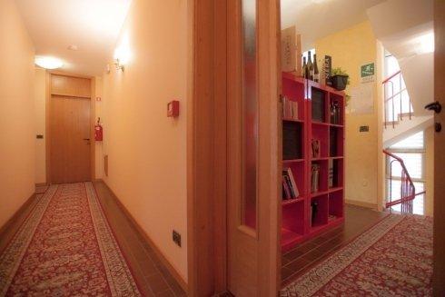 corridoio piano camere