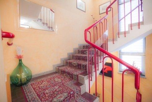 scale di accesso alle camere