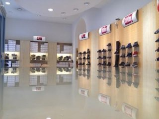 Vendita calzature per uomo Milano