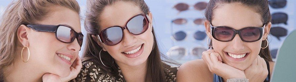 occhiali sa sole moderni