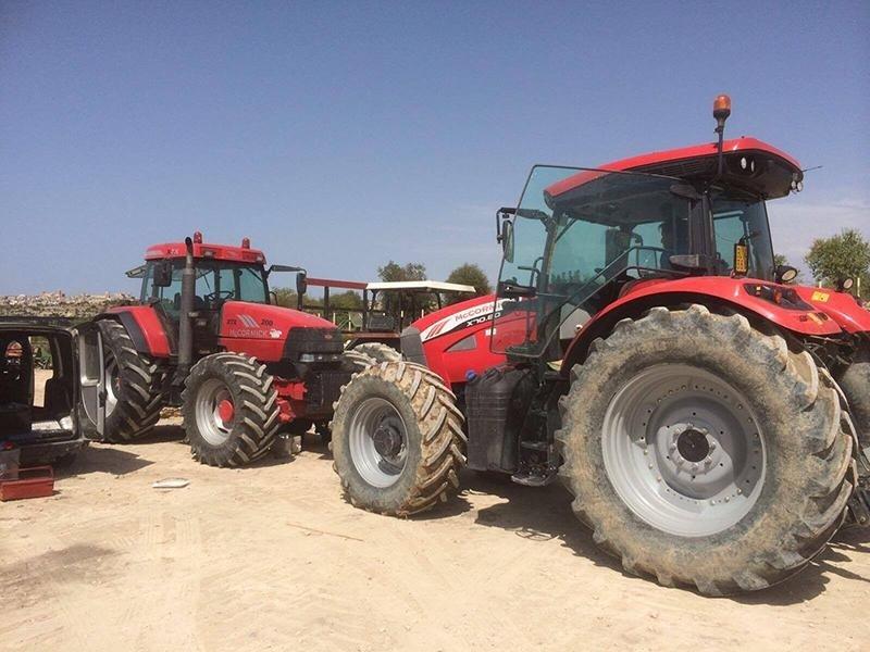 trattori rossi