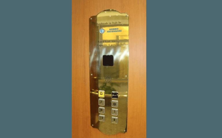 pulsantiera per ascensori