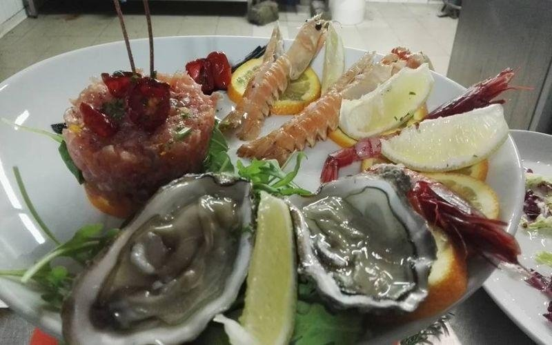 Oysters and seafood