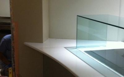 Top in marmo e vetro