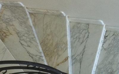 Scalini di marmo