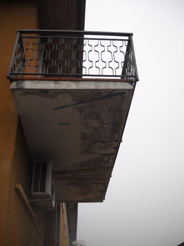 Balcone da ristrutturare