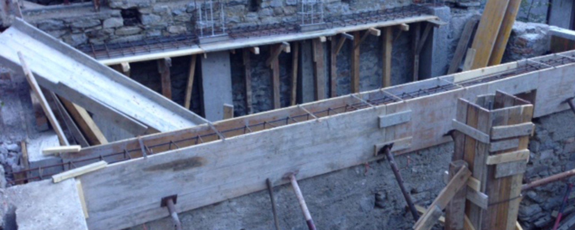 Costruzione edilizia a Cardano Al Campo