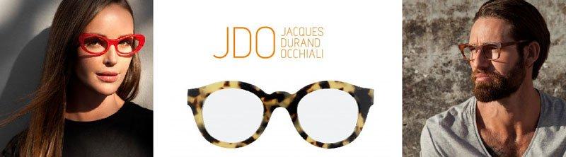 scritta JDO Jacques Durand Occhiali con degli occhiali da sole leopardati e ai lati le foto di un uomo e una donna che indossano occhiali marca JDO