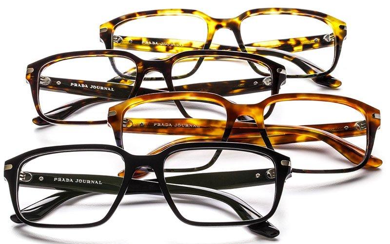 serie di occhiali da lettura marca Prada Journal