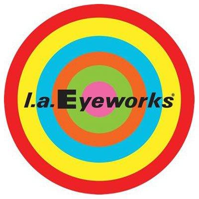 logo l.a. Eyeworks con un bersaglio multicolore sullo sfondo