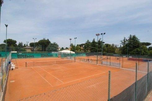 Campi da tennis attrezzati