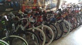bici da corsa, bici da strada, caschi per bici