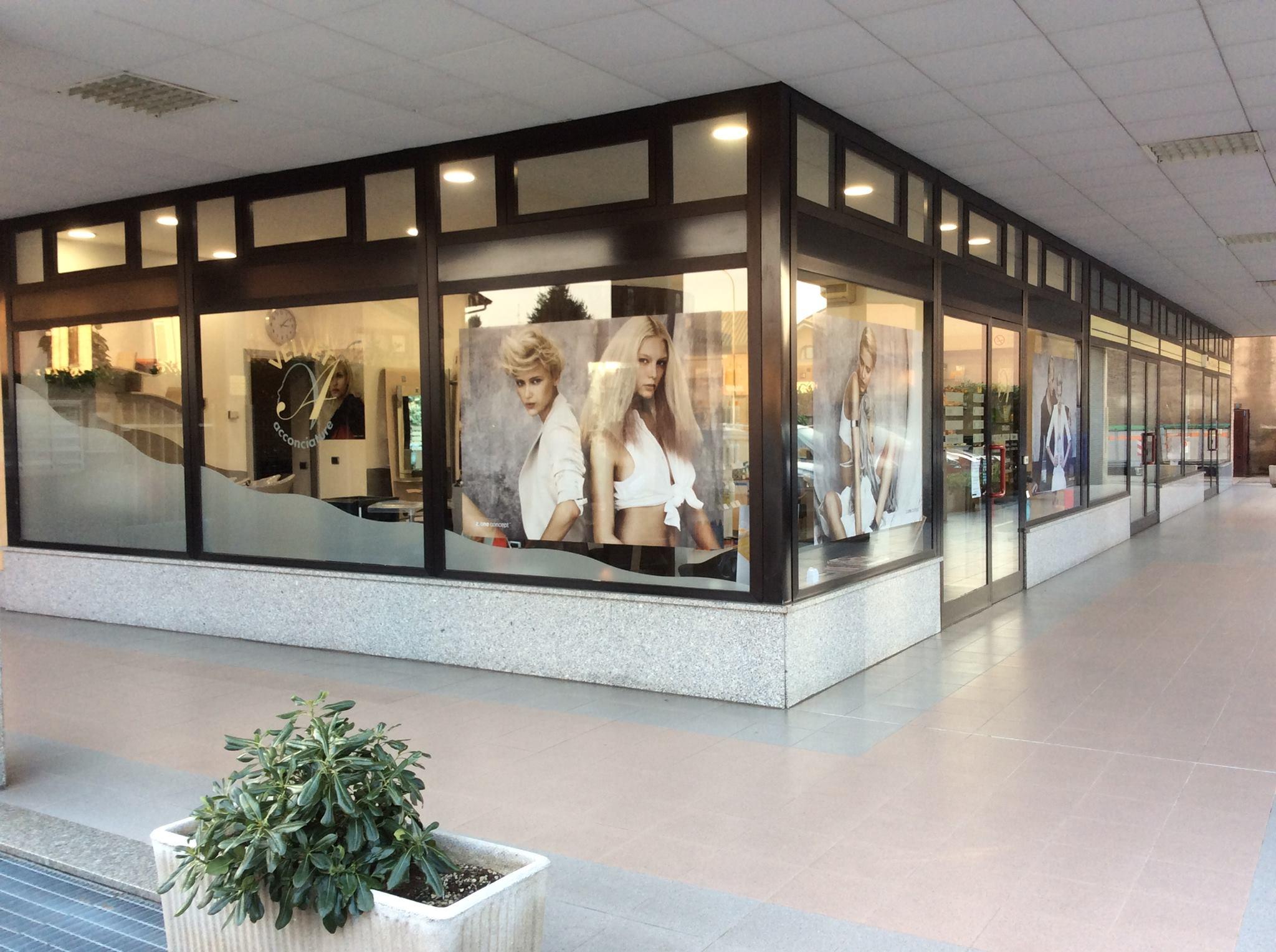 negozio ad angolo