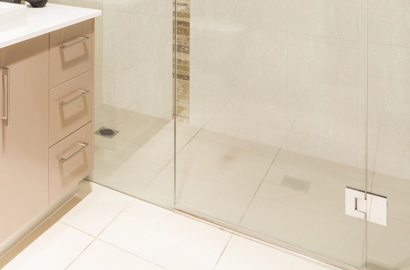 sill-less shower glass