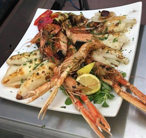 Al Ristoro uaw uaw piatti di pesce