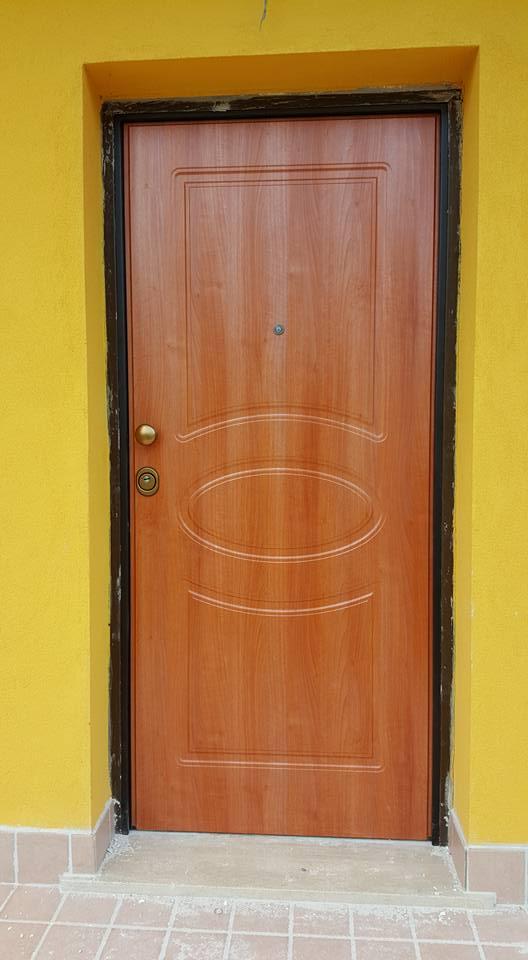 Porta Blindata fabbricata da AM Service Porte e Infissi 4