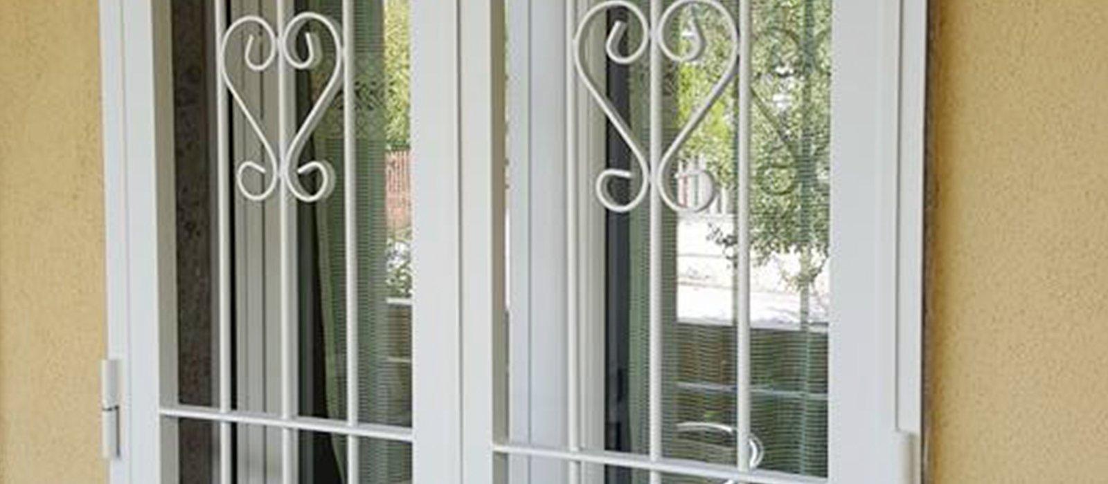 serramenti con decorazioni