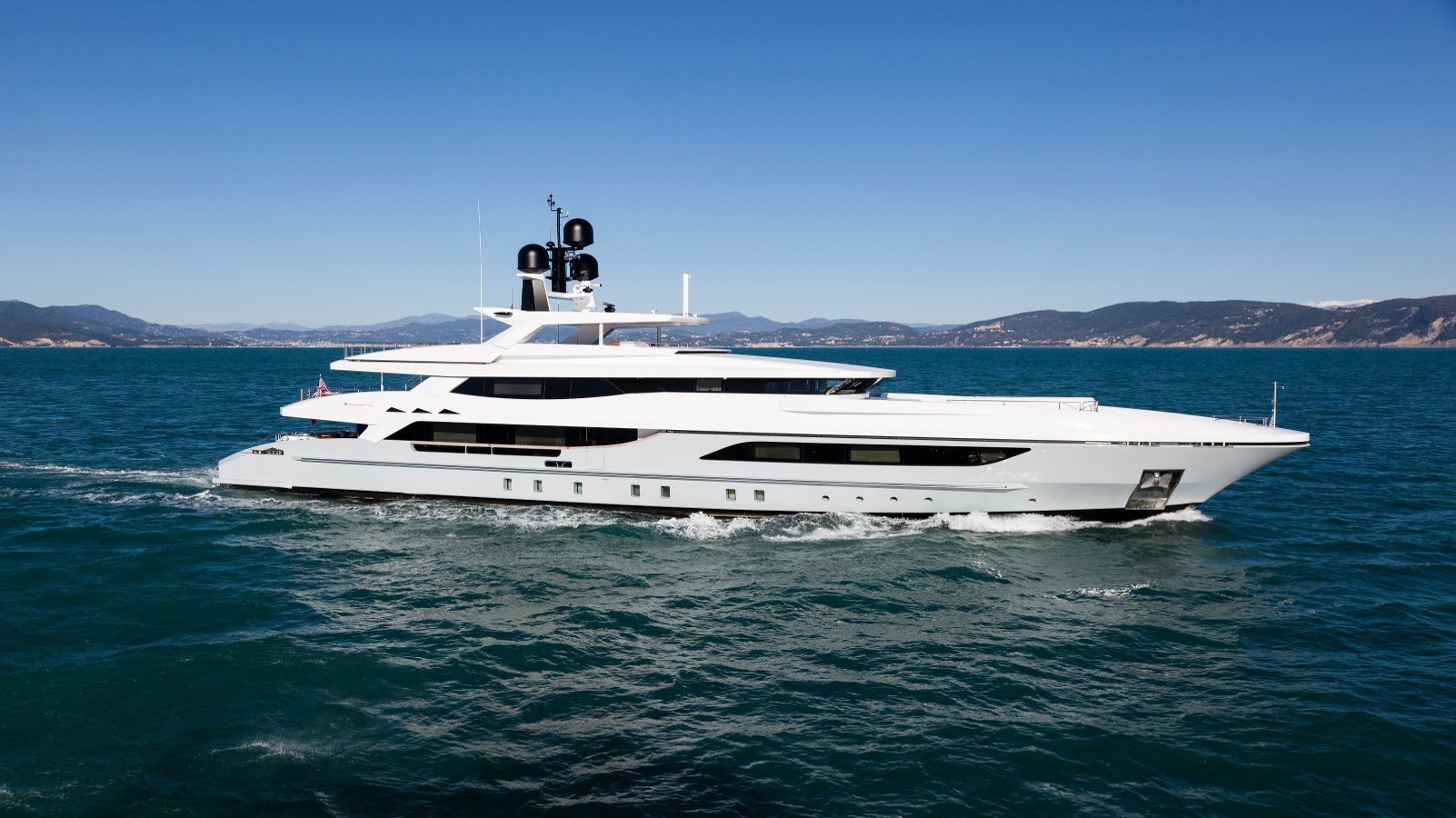 Motor yacht Only one