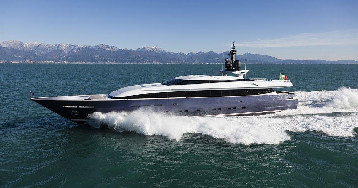 Motor yacht Pachama 43 metri