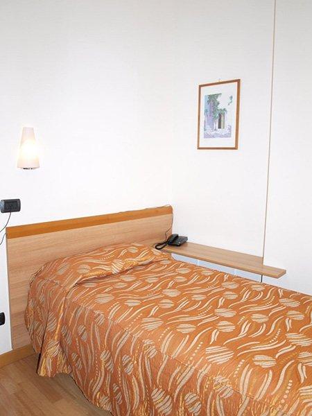 Un letto singolo