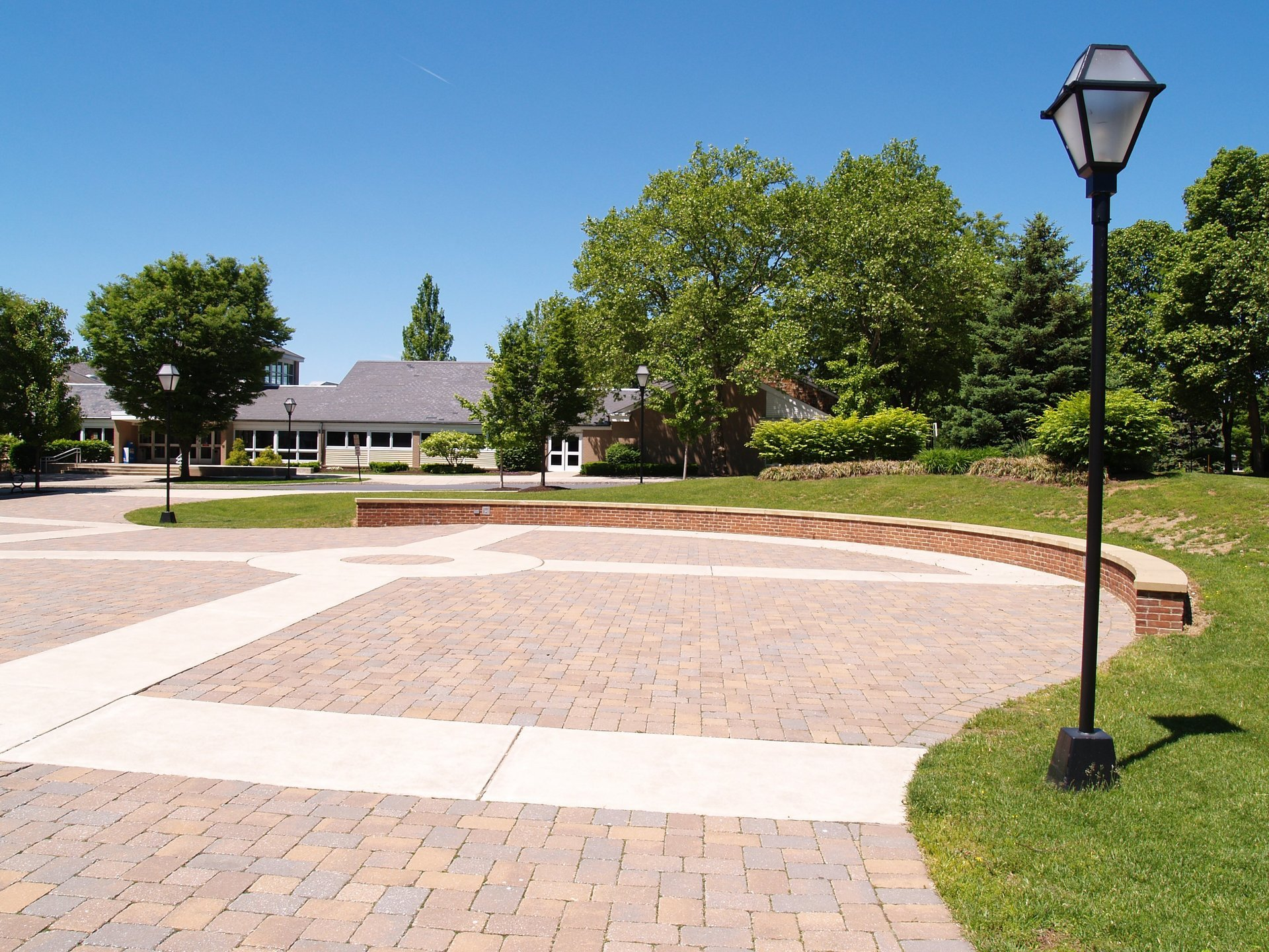 Concrete Driveways in Rochester, NY | Western NY Concrete Corp