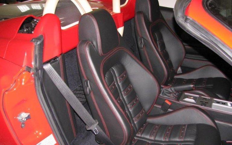 Personalizzazione interni auto - Sedili Ferrari