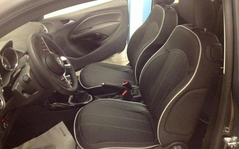 Riparazione tappezzeria auto - Opel Adam