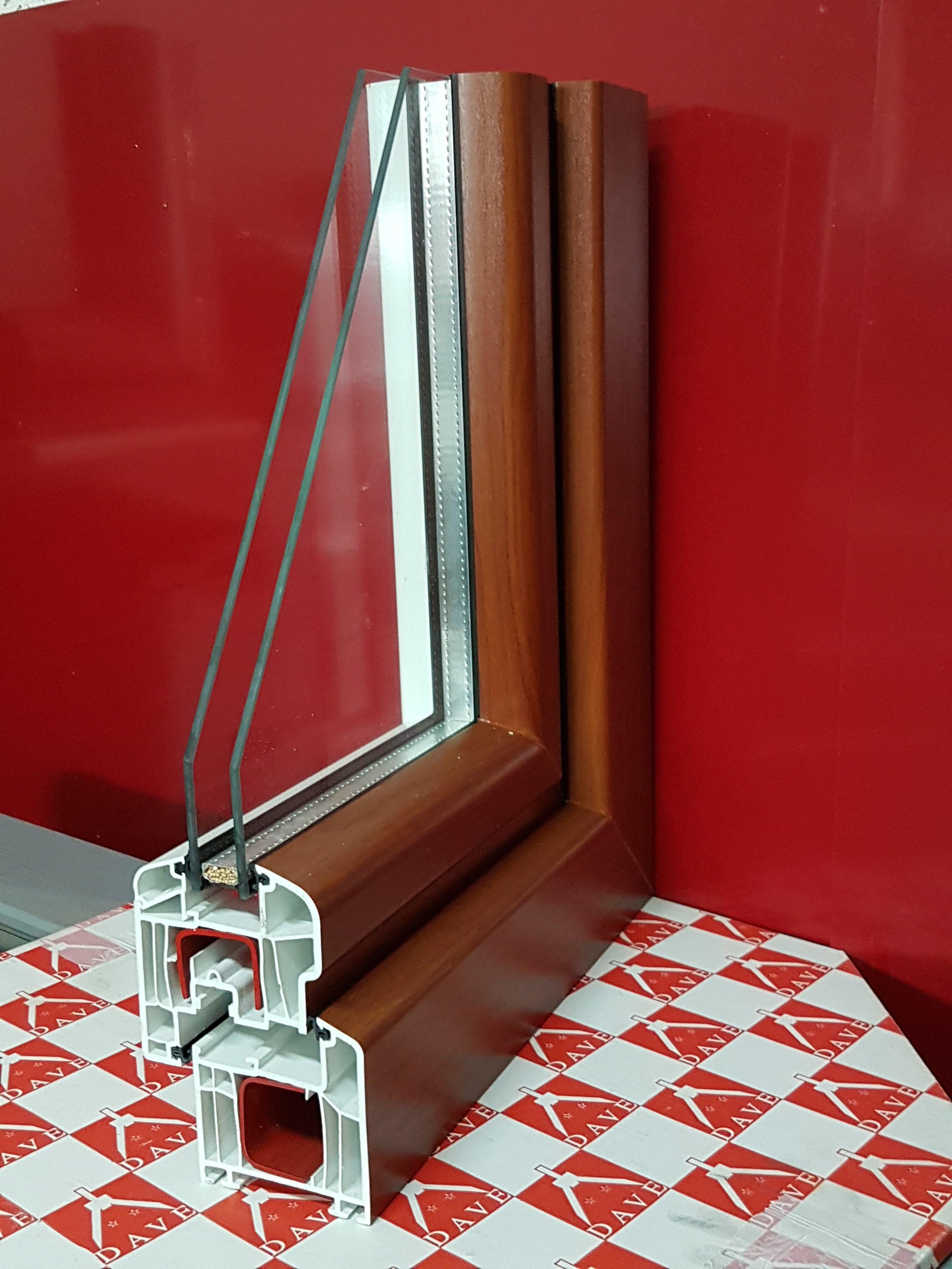Telaio in legno per finestre