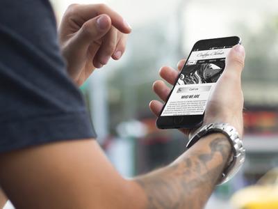 Man looking at website on smartphone
