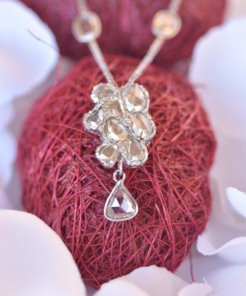 anello con pietra porpora