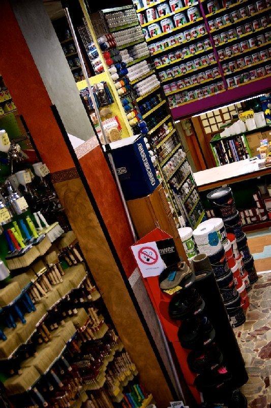 Interno negozio - Colorificio Faro