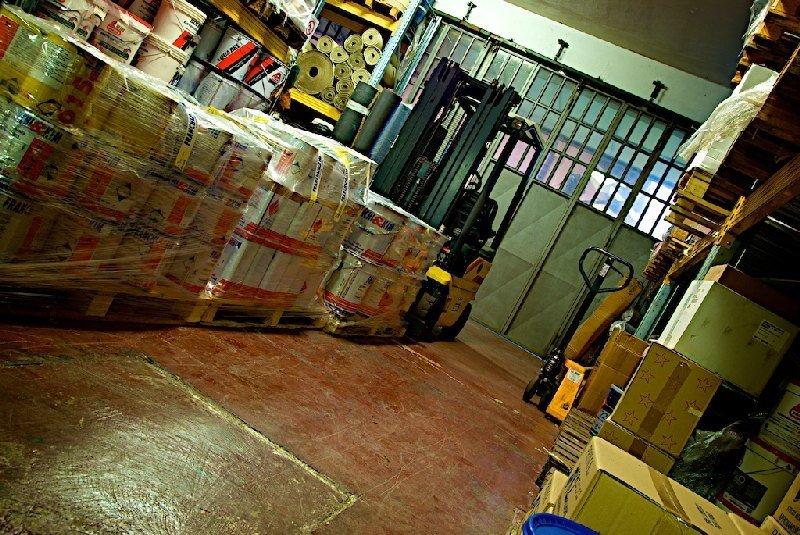 Interno magazzino - Colorificio Faro