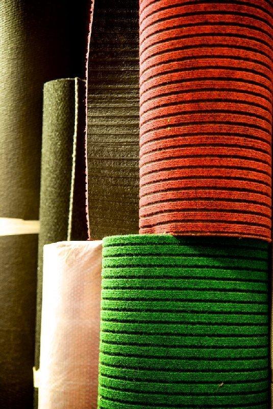 Rulli di colore verde e rosso - Colorificio Faro