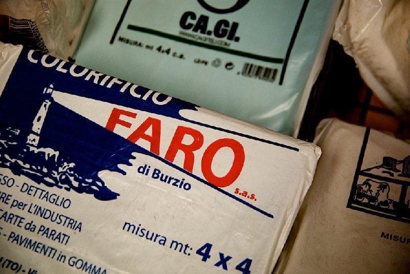 Materiale Colorificio Faro di Burzio a Moncalieri