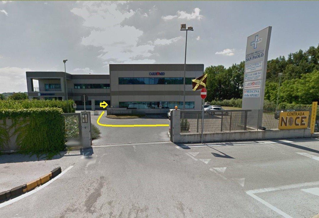 centro podologico per la cura del piede - ingresso