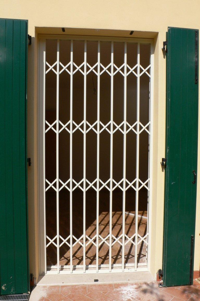 cancelletto di sicurezza scorrevole per porta