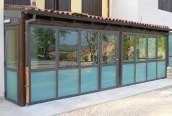 chiusura portico in alluminio verniciato