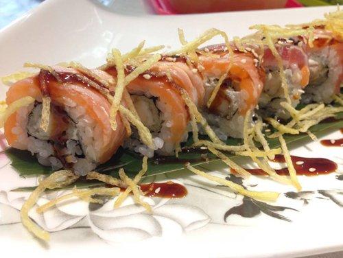 sushi salmone e avocado