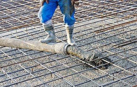 Professional poring concrete