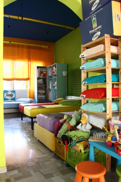 Disponiamo di materassi singoli, guanciali e reti ortopediche per la camera dei bambini.