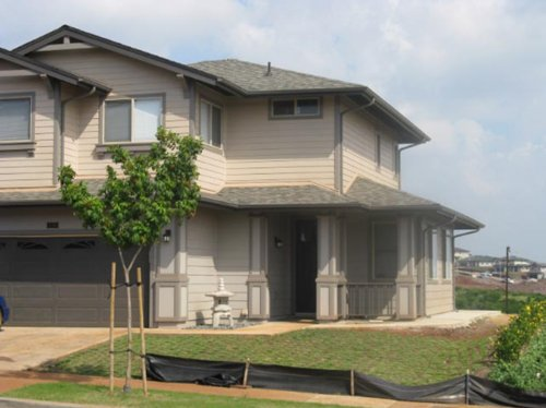Beautiful home in Wahiawa, HI with professionally installed gutters