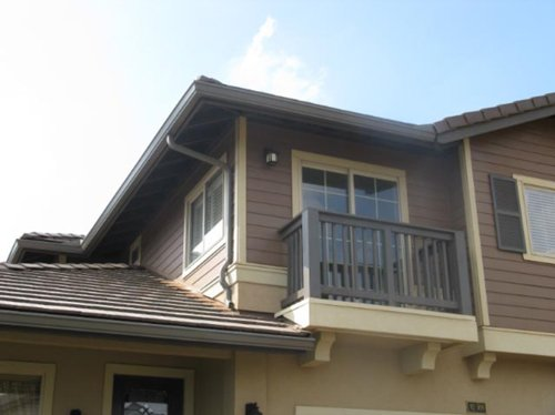 Beautiful home with professional installed gutters in Wahiawa, HI
