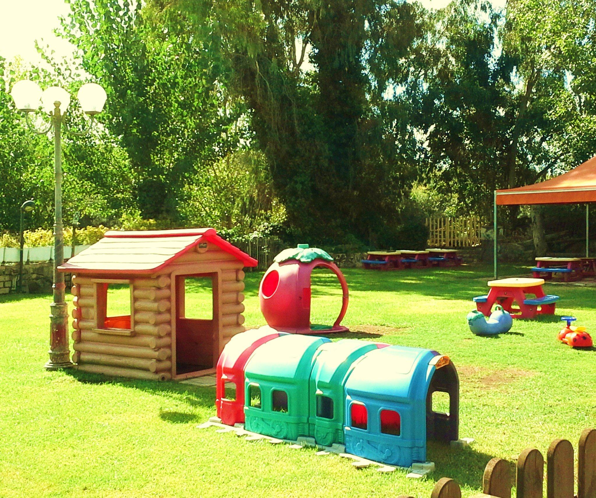 Giochi per bambini in giardino