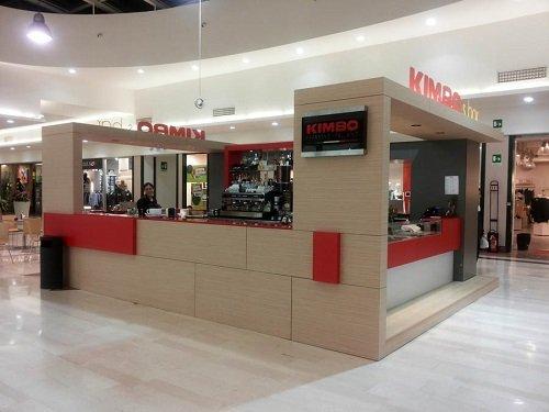 un bar Kimbo all'interno di un centro commerciale