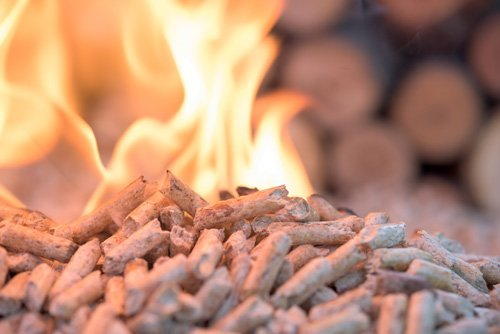 pellet in combustione
