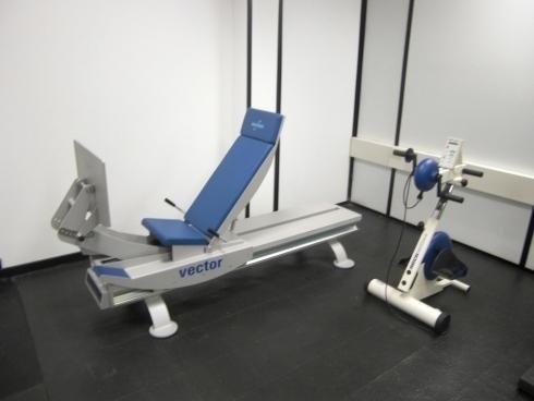 Pressa riabilitativa ed ergometro braccia gambe