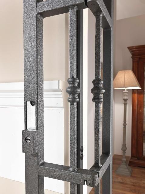 Cancello di sicurezza mod. Sikura - dettaglio  tubolare interno carbonitrurato a protezione della serratura