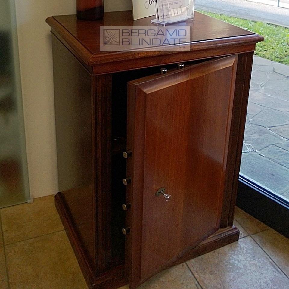 Cassaforte a mobile rivestito in legno